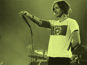 Brandon Boyd live in San Sebastian (29. April 2004)